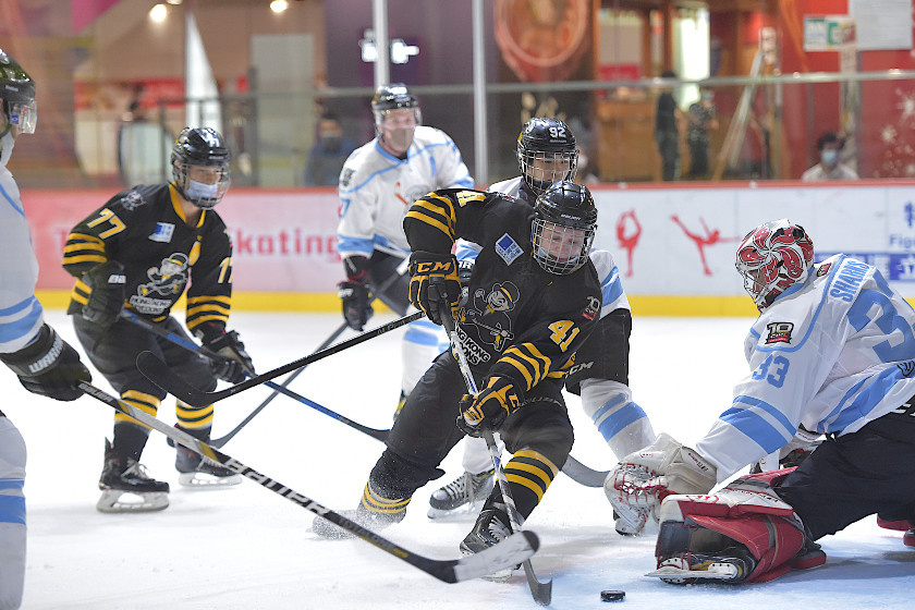 Weberg Leads Tycoons to Victory Against the Sharks